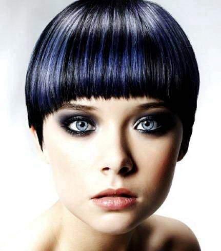 Креативное мелирование волос с синими прядями